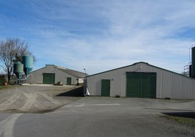 SOLD IN 2017. CÔTES D'ARMOR. Poultry production 4,500 sqm