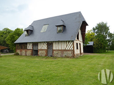 CALVADOS. Pays d'Auge, charming property combining agricultural production and quality of life