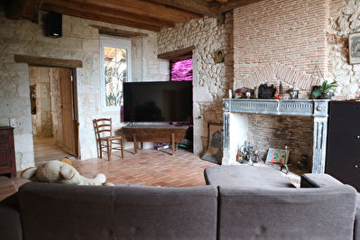 Dordogne: Property off the beaten track, close to a golf course
